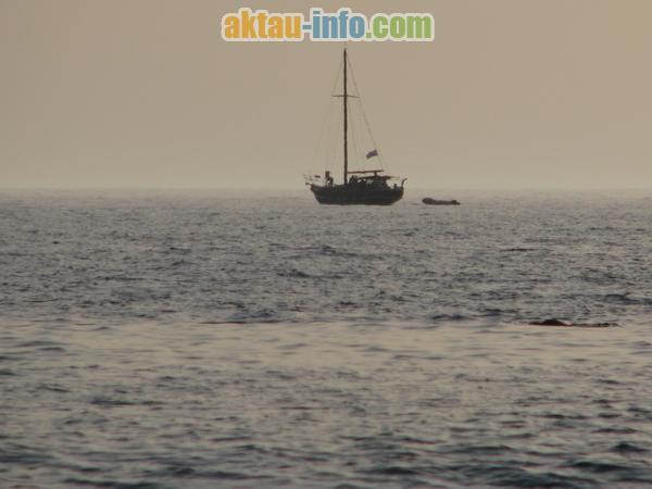 Яхта на Каспийском море