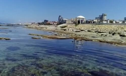 Берег Каспийского моря в Актау